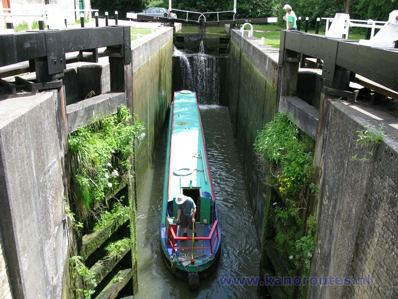 kennet and avon canal boat trips